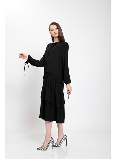 Vitrin Etek Ucu Kat Kat Uzun Elbise Siyah